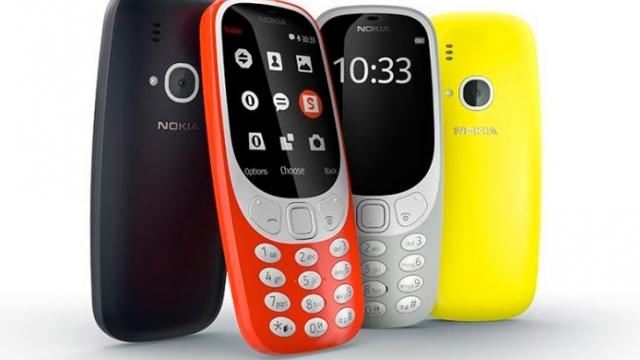 """Por fin ha llegado el 'indestructible' Nokia 3310 y así luce… Y por si te lo preguntas si podrás jugar """"Snake"""""""